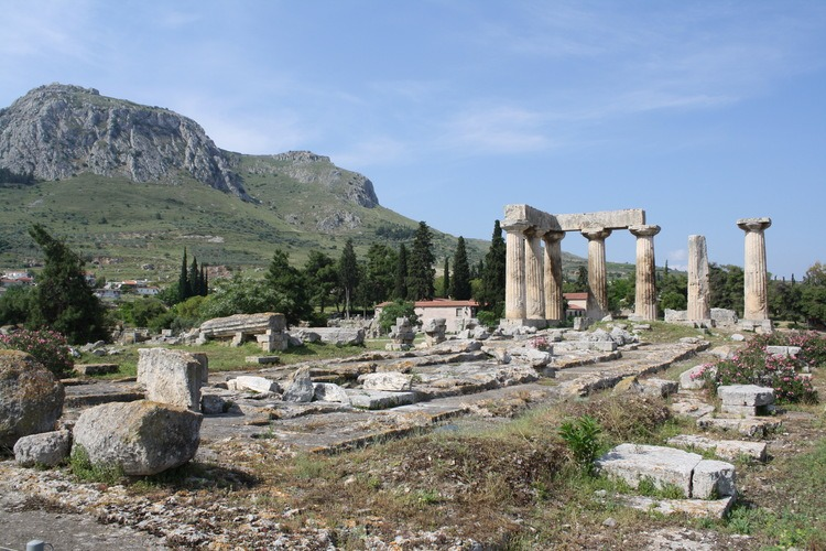 """Temple of Apollo, Corinth (by Mark Cartwright, CC BY-NC-SA)"""